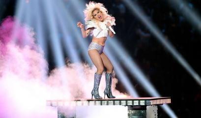 Os melhores memes (que você respeita) da apresentação de Lady Gaga no Super Bowl